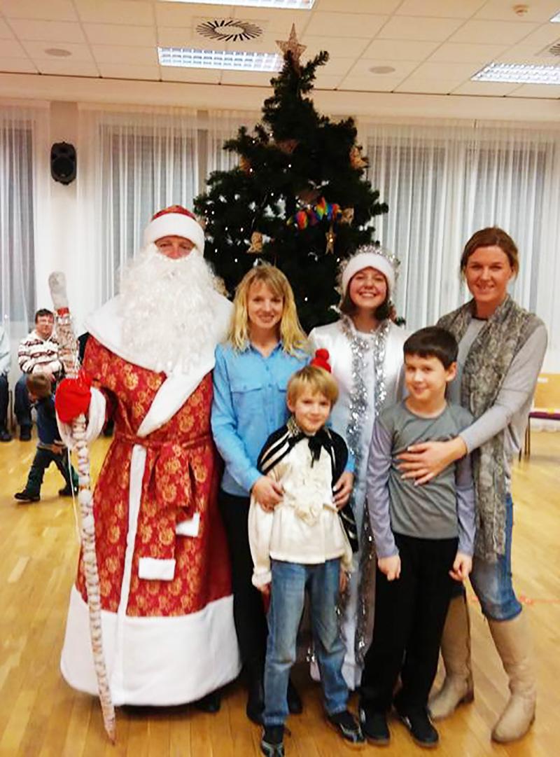 С Дедом Морозом у ёлки